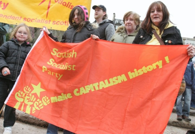 cm-ssp make capitalism history flag women
