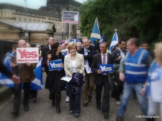 Nicola Sturgeon-SSP Indy Scot Soc placard-PIC John Lanigan