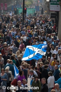Photo: Craig Maclean-final yes saturday buchanan street crowd