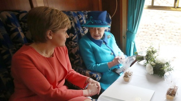 nicola sturgeon-Queen e2